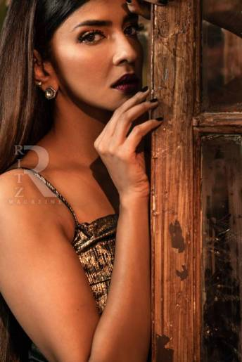 Lakshmi Manchu (4)
