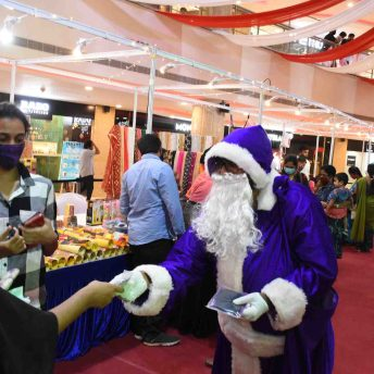 Naturals Salon Launch Their Safety Kits With Purple Santa Claus At Express Avenue (4)