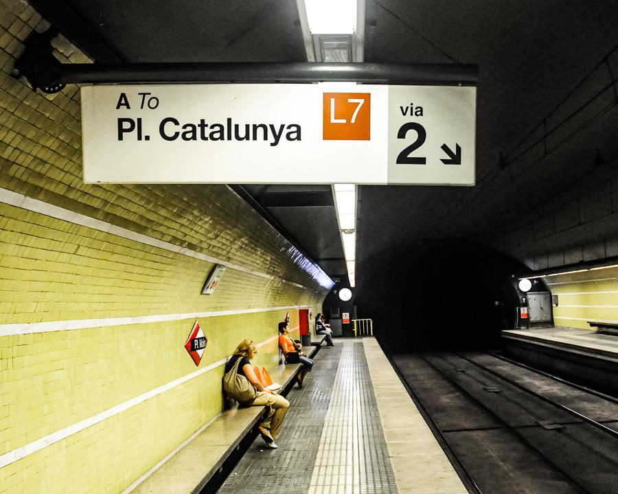 Barcelona Spain Subway Plaza Catalunya
