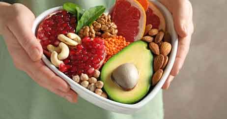 Snacking for the Heart Healthy Should Include Fruits and Raw Vegetables