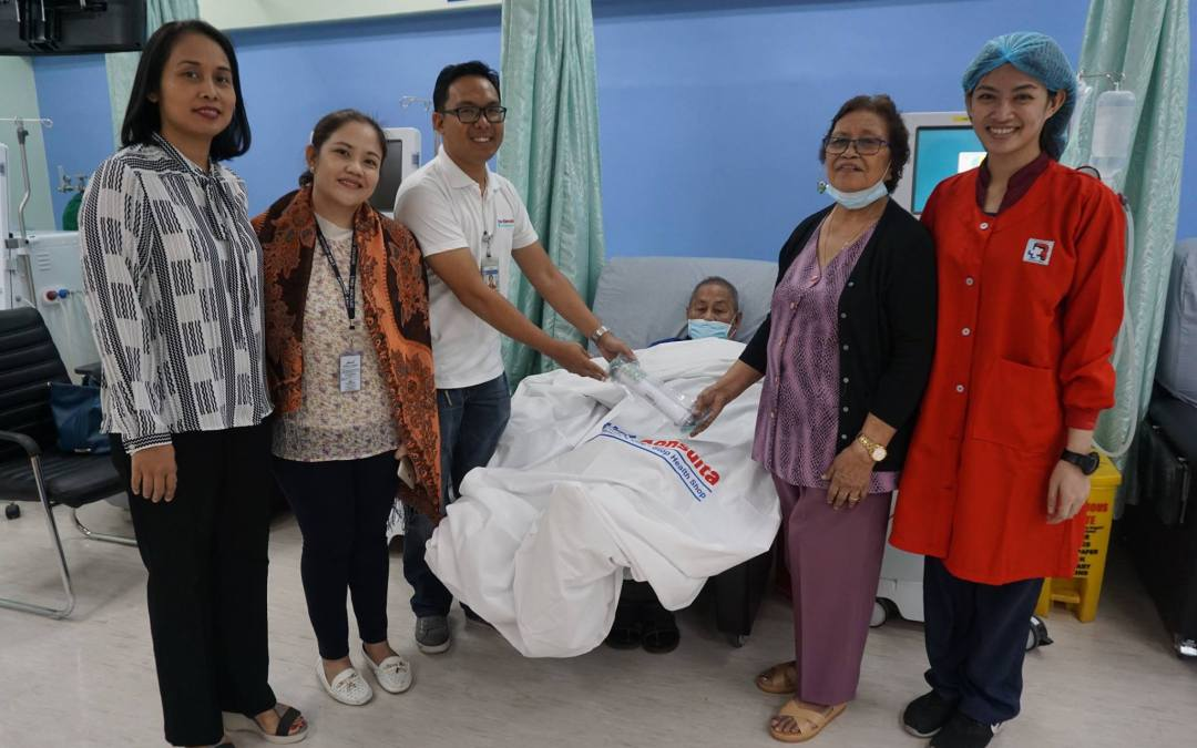 Congratulations to our 1st Una Konsulta Hemodialysis patient-winner