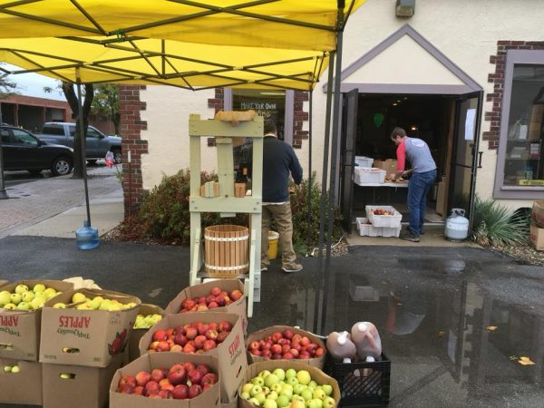 Grain to Glass Cider Day apple pressing