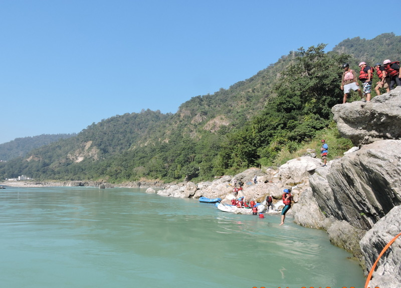 cliff-jumping-in-rishikesh - River Rafting in Rishikesh - Best river  rafting and camping Company