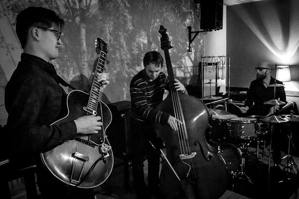 Teemu Viinikainen Trio Tornion Kerholla 15.2.2013