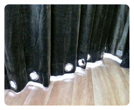 Curtain_floor