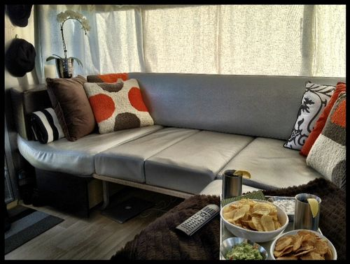 Superbowl_lounge_airstream