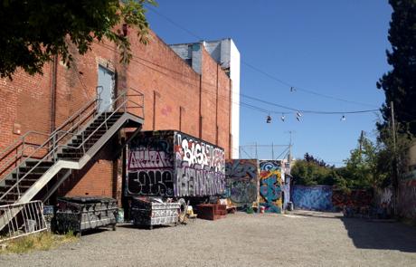 Petaluma_grafitti