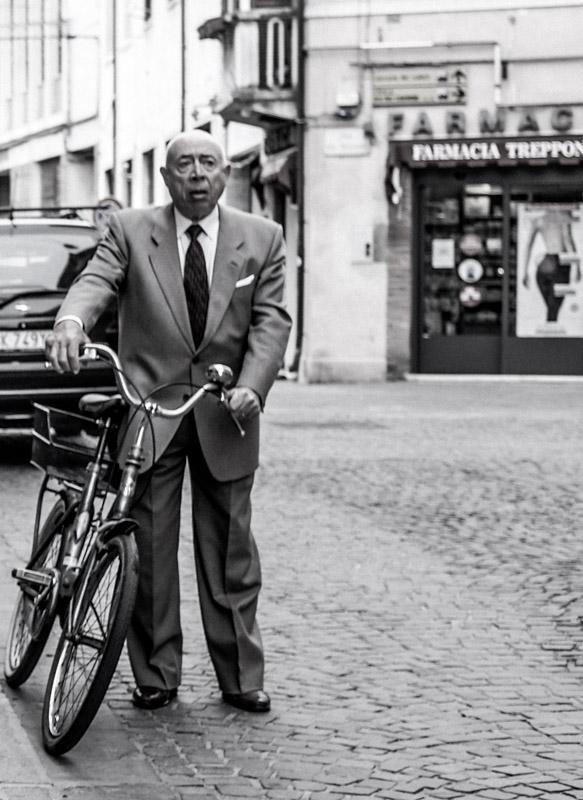 Suit_bike_man