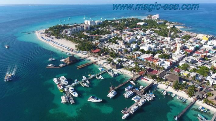 Isla Mujeres air view