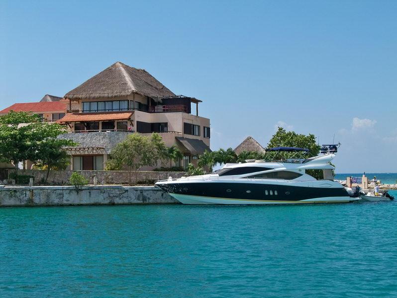 Puerto Aventuras rent a boat