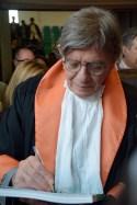 Ettore Spalletti firma gli autografi agli studenti intervenuti