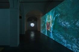 Sarah Ciracì, Like An Ocean With Its Waves..., 2017, video installazione. Foto Roberto Marossi (3)