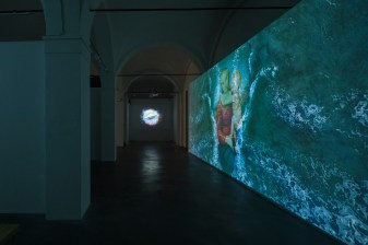 Sarah Ciracì, Like An Ocean With Its Waves..., 2017, video installazione. Foto Roberto Marossi (3)