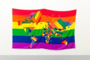 Jonathan-Monk_-The-World-in-Gay-Pride-Flags_2013-1; IL PASSO SOSPESO. ESPLORAZIONI DEL LIMITE, Fondazione Ragghianti, Lucca, 2017