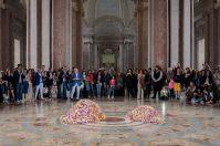 Vinci-Galesi, La terra dei fiori, 2017, documentazione di performance, stampa su carta fine art, cm 40x60, ph. Mariano De Angelis, courtesy of the artists e aA29, Milano, Caserta