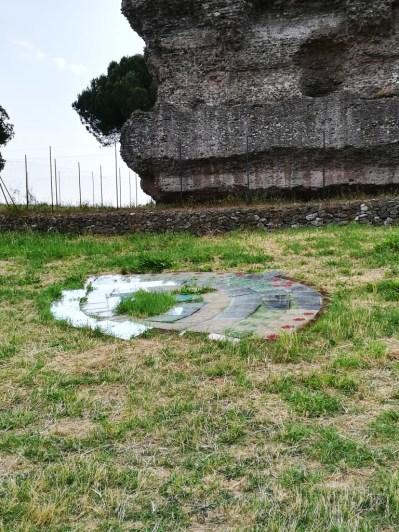 Miraggio 3, Cuoghi Corsello, specchi cm 40x40, Villa dei Quintili, 2018_ph. Maila Buglioni