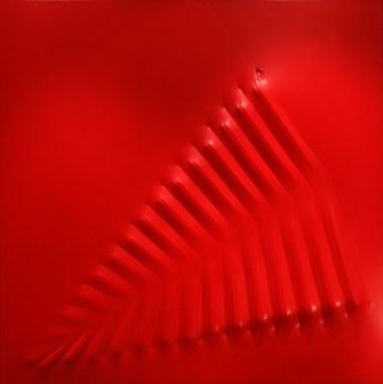 Agostino Bonalumi, Rosso, 1974, 140x140 cm, Tela estroflessa e tempera vinilica