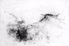 Riccardo Angelini, Memoria akascica 02, 2018, gesso carboncino polvere di grafite su carta kraft intelata, cm 70x100