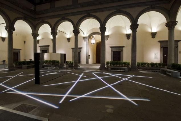 Bianco-Valente, Tu sei qui, Cortile di Palazzo Strozzi, 2014 foto Martino Margheri