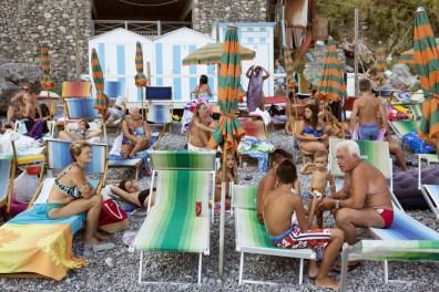 MARTIN PARR The Amalfi Coast, Positano 2013, cm 65x90, ed.10 © Martin Parr / Magnum Photos / Studio Trisorio
