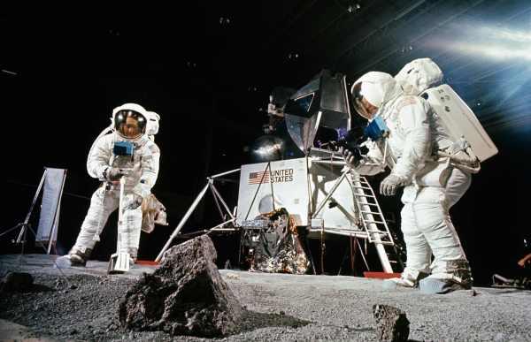 Il modulo doganale del rientro sulla Terra dell'Apollo 11 ...