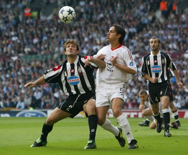 Un duello con Inzaghi nella finale del 2003. Laurence Griffiths/Getty Images