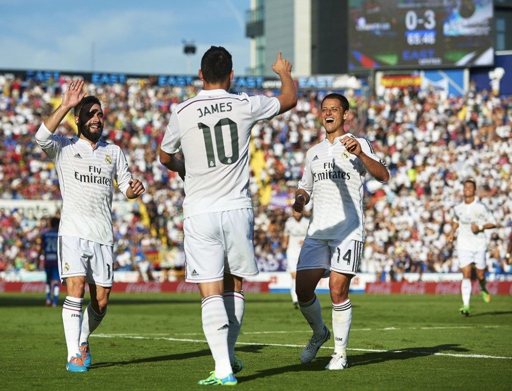 James, Chicharito e Carvajal, nell'ottobre 2014 (Manuel Queimadelos Alonso/Getty Images)