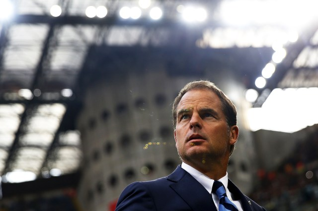 Inter Milan's coach Frank De Boer from Netherlands looks on during the Italian Serie A football match Inter Milan vs Juventus on September 18, 2016 at the 'San Siro Stadium' in Milan. / AFP / MARCO BERTORELLO (Photo credit should read MARCO BERTORELLO/AFP/Getty Images)