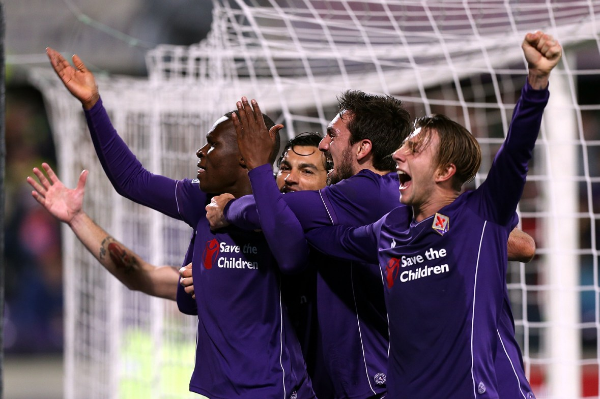 FLORENCE, ITALY - FEBRUARY 14: Khouma Babacar of ACF Fiorentina celebrates after scoring a goal during the Serie A match between ACF Fiorentina and FC Internazionale Milano at Stadio Artemio Franchi on February 14, 2016 in Florence, Italy. (Photo by Gabriele Maltinti/Getty Images)