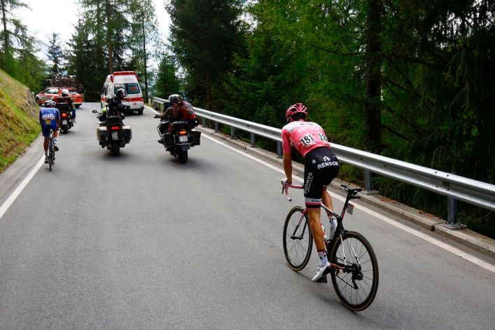 Netherlands' Tom Dumoulin of team Sunweb rides during the 16th stage of the 100th Giro d'Italia, Tour of Italy, cycling race from Rovetta to Bormio on May 23, 2017. Italy's Vincenzo Nibali pipped Spanish rival Mikel Landa to victory in a dramatic 16th stage of the Giro d'Italia that saw drained race leader Tom Dumoulin struggle to retain the pink jersey. / AFP PHOTO / Luk BENIES (Photo credit should read LUK BENIES/AFP/Getty Images)