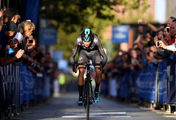 Three-time Tour de France winner, Britain's Chris Froome of Team Sky, takes part in the prologue of the Herald Sun Tour cycling event in Melbourne on February 1, 2017. / AFP / Mal Fairclough / --IMAGE RESTRICTED TO EDITORIAL USE - STRICTLY NO COMMERCIAL USE-- (Photo credit should read MAL FAIRCLOUGH/AFP/Getty Images)