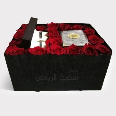 هدية وشوكولا بصندوق خشبي