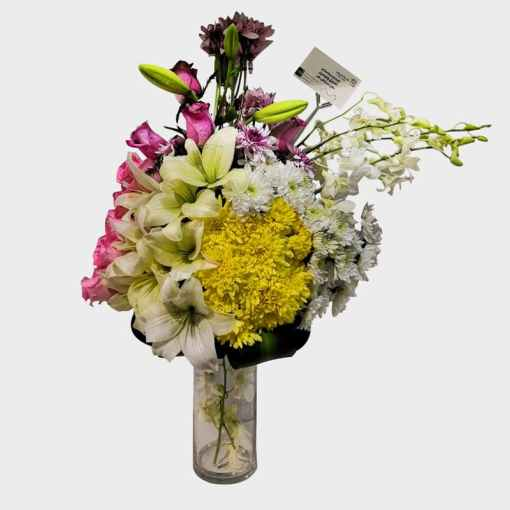 مجموعة كبيرة مع مزهرية زجاجية