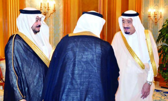 Deputy Custodian of the Two Holy Mosques Prince Salman with Mohammed bin Ahmed Tayeb, left, the Kingdom's permanent representative to the OIC, during a reception in Jeddah on Thursday. (SPA)