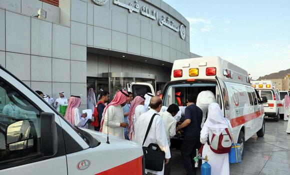 Hajj-pilgrims-who-sick-depatching-from-Madina-to-Makkah-01