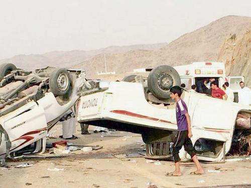Two pick-up trucks involved in a fatal accident in Mahayil Asir at dawn Friday.