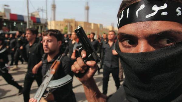 Islamist militants on Monday defeated Kurdish peshmerga troops in the flashpoint Iraqi town of Jalawla.