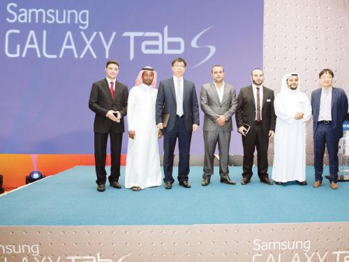 Jae Cheon Park (third from left), General Manager of Samsung KSA, flanked by some Samsung executives and guests at the launch of Galaxy S.