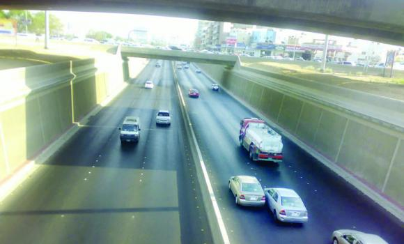 With the opening of a number of underpasses, traffic has already started moving smoothly on some roads.