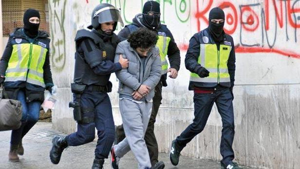 Morocco's Interior Ministry says that 1,212 Moroccans belong to terrorist groups in Iraq and Syria. At least 100 have been arrested on their return.