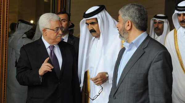 Palestinian president Mahmoud Abbas will meet the emir of Qatar and exiled Hamas leader Khaled Meshaal in Doha.