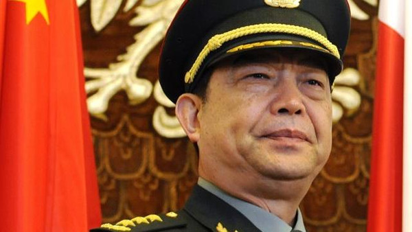 China's defense minister has met with Iran's navy commander in the latest sign of warming ties between their two militaries.