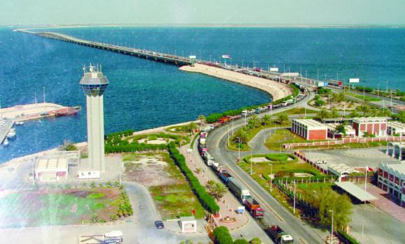 Stressing the importance of the King Fahd Causeway, Manama has spared the travelers using it the new visa fees.