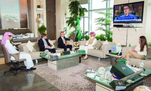 Prince Alwaleed receives the Belgian ambassador.