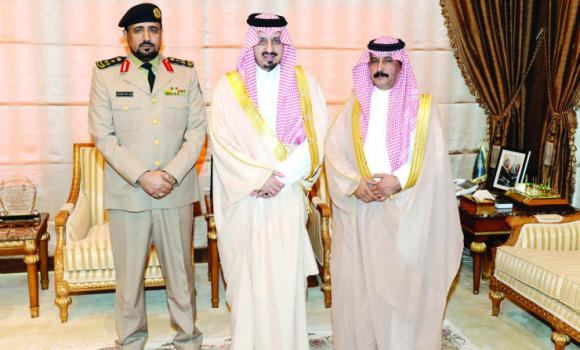 Asir Gov. Prince Faisal bin Khaled receives Brig. Safar Al-Ghamdi, commander of border guards in the region, as well as former chief of the department Maj. Gen. Saud Al-Nomsi on Sunday. (SPA)