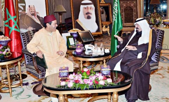 King Abdullah holds talks with Morocco's Prince Rasheed bin Al-Hassan II in Riyadh on Tuesday. (SPA)