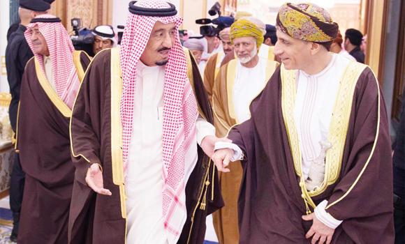 Custodian of the Two Holy Mosques King Salman receives Omani Deputy Premier for Cabinet Affairs Fahd bin Mahmoud Al-Saeed at his palace in Riyadh on Tuesday. (SPA)