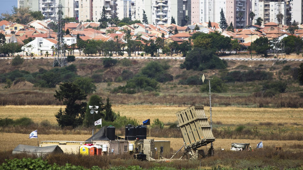 A recently located Iron Dome battary can be seen near the southern Israeli city of Ashkelon outside the Gaza Strip June 7, 2015.