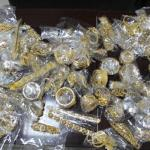 Customs thwart attempt to smuggle in jewelry