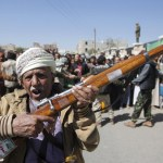 Yemeni official: Houthis recruiting African fighters